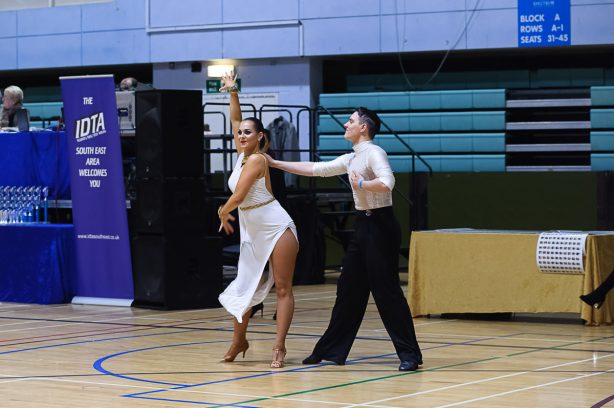 Well it's that time of year again, lots of dancers hoping to qualify for the Nationwide Medalist of the Year Comp later in April 2017,  tanned up, stressed out but … Read more